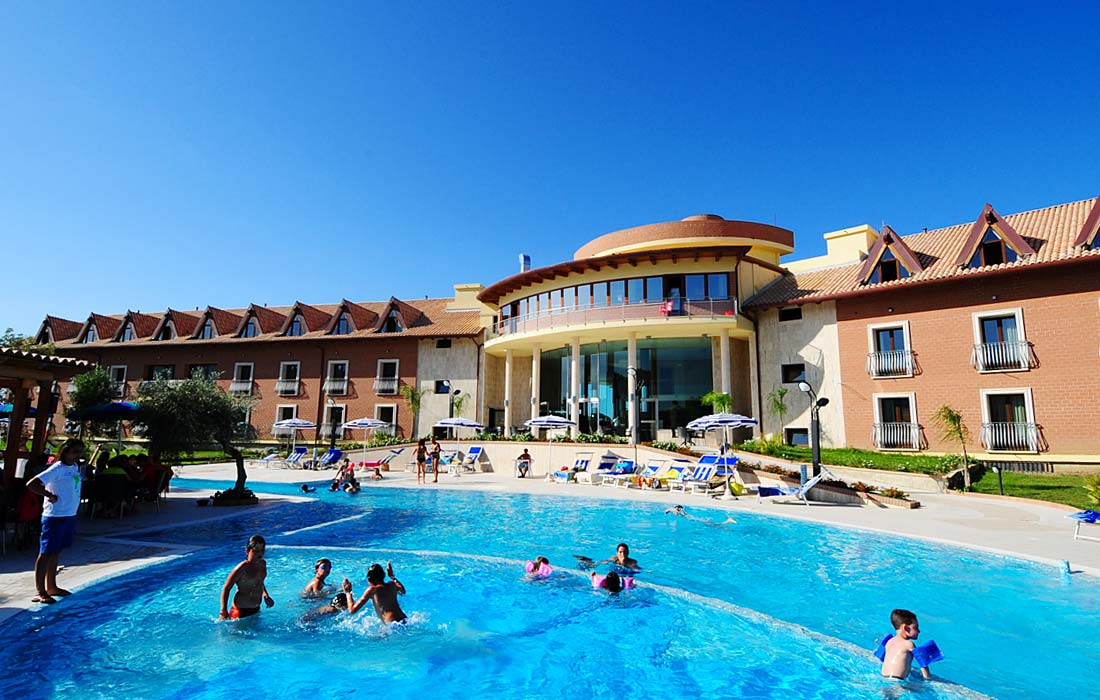 Corte dei greci resort calabria piscina