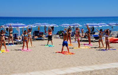 cortedeigreci-spiaggia-ginnastica