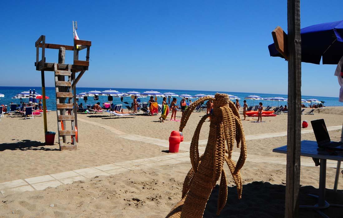 corte dei greci calabria mare ionio spiaggia privata