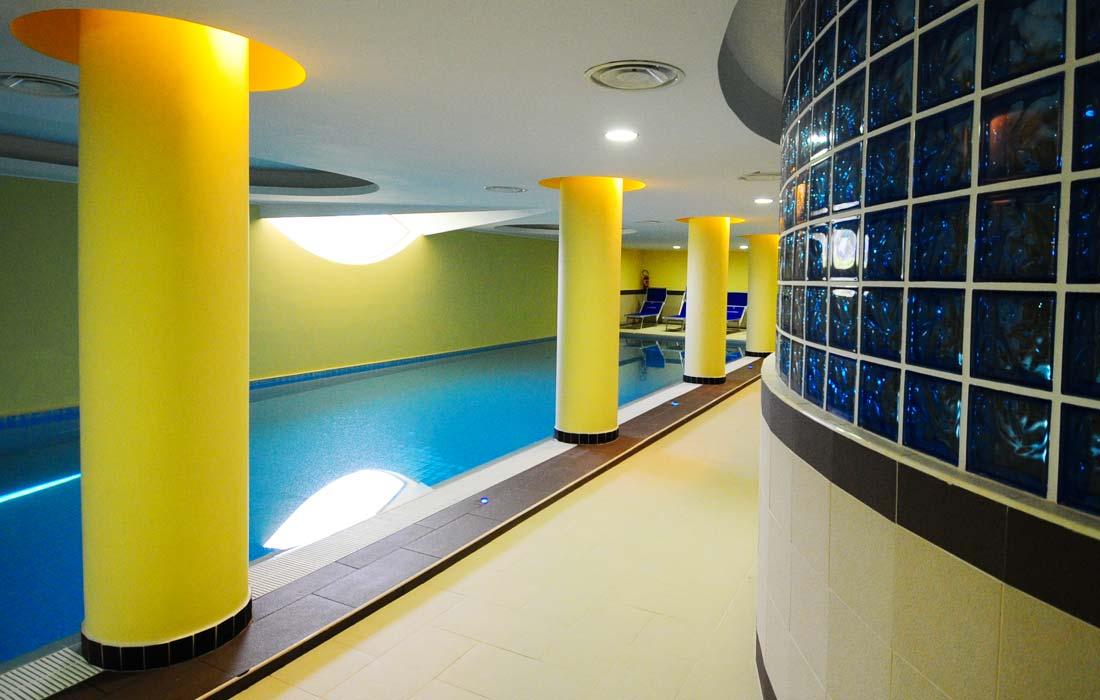 Villagio con piscina interna